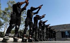 Cảnh sát Pakistan luyện trượt patin bắt tội phạm