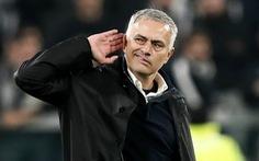 Làm sao cứu Tottenham khỏi... Mourinho?