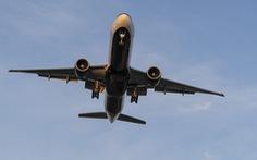 Đến lượt Boeing 777 của Nga phải hạ cánh khẩn cấp vì trục trặc động cơ