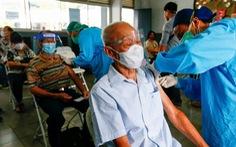 Dân Indonesia phẫn nộ vì 'người có đặc quyền' xen ngang tiêm chủng