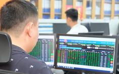 Cổ phiếu tăng vọt, nhiều người tiếc hùi hụi khi lỡ bán sớm
