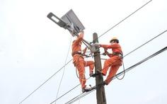 Lắp đặt tuyến đường năng lượng mặt trời trong 'Ngày thanh niên cùng hành động'