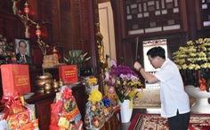 Ông Võ Văn Thưởng chúc tết gia đình nguyên lãnh đạo Đảng, Nhà nước
