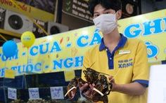 Hải sản đánh bắt từ Mỹ, Canada… 'đi máy bay' về Việt Nam bán Tết, giá cao vẫn đắt khách