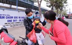 28 tết, 'trường quốc tế' tự nguyện mở cửa giữ trẻ cho công nhân