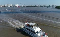 Ấn tượng với tour trải nghiệm đường sông tham quan biệt thự mẫu đô thị đảo Phượng Hoàng