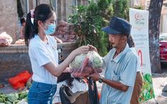 Kiều Loan, Thúy An, Phương Anh... bán nông sản 0 đồng chia sẻ cùng nông dân Hải Dương