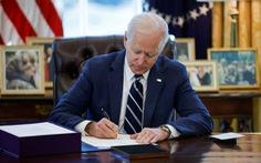 Tổng thống Biden ký ban hành gói cứu trợ kinh tế 1.900 tỉ USD