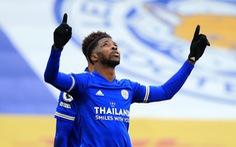 Leicester vượt mặt Man Utd trên bảng xếp hạng