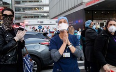 Một năm đại dịch quét qua New York, hơn 30.000 người chết và 'nỗi đau chưa lành'
