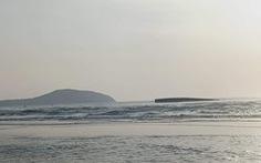 Tàu hàng chở 1.500 tấn tro bay nhiệt điện Vĩnh Tân chìm ở biển Mũi Né