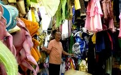 Kho trang phục, đạo cụ hơn 30 năm của bà Kim Thơ