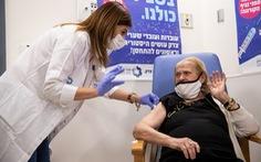 Số ca mắc COVID-19 tại Israel tiếp tục giảm nhờ hiệu quả tiêm vaccine