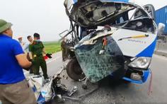 Tạm giữ tài xế xe chở đoàn đi lễ đâm xe đầu kéo làm 22 người thương vong