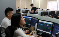 VN-Index vượt 1.200 điểm