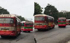 Hai xe buýt chèn nhau như phim trên quốc lộ, người đi đường 'khiếp vía'