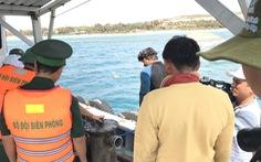 Bơm hút xong gần 4.000 lít dầu DO lẫn nước biển trong tàu Bạch Đằng