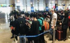 Lượng khách mua vé máy bay dịp lễ 30-4 tăng mạnh