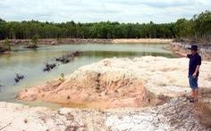 Đất trồng bạch đàn biến thành công trường khai thác cát