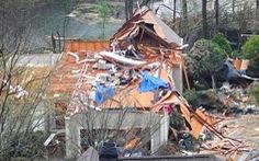 Lốc xoáy hủy diệt ở Mỹ: 5 người chết, khu dân cư bị san phẳng