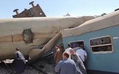 Xe lửa đang chạy bị kéo phanh, xe lửa sau đâm tới khiến cả trăm người thương vong
