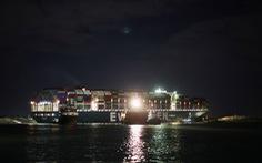 Siêu tàu mắc kẹt tại kênh đào Suez chỉ nhích nhẹ, khó được giải thoát trước ngày 28-3