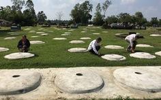Cả làng cùng chăm 3.000 ngôi mộ