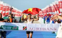 Hoàng Nguyên Thanh vô địch Tiền Phong marathon 2021, sát thành tích HCV SEA Games