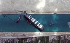 Kênh đào Suez bị bịt kín ngày thứ 6, gần 370 tàu đang đợi con tàu mắc kẹt 'động đậy'