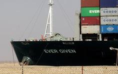 Tàu Ever Given mắc cạn một tuần, việc đòi bồi thường có thể kéo dài nhiều năm