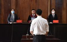 Tiếp viên Vietnam Airlines: Chấp hành án treo, đi làm được không?