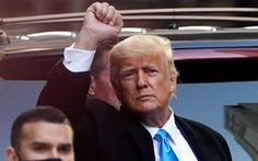 Hai cảnh sát Mỹ đòi ông Trump bồi thường mỗi người 75.000 USD