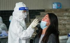 Hàng trăm sinh viên Hải Dương đi xét nghiệm COVID-19 trước khi trở lại Hà Nội