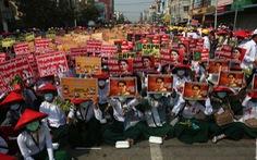 Myanmar chỉ yên khi quân đội 'khóa tay' được bà Suu Kyi?
