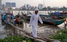 Ngư dân Campuchia chỉ bắt được 1kg cá mỗi ngày vì mực nước Mekong giảm