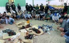 Che bạt để đá gà quy mô lớn ở Tiền Giang, 42 người bị bắt tại trận