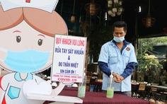 Hàng quán Sài Gòn mở cửa, không quên COVID-19
