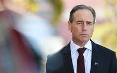Bộ trưởng Y tế Úc nhập viện sau khi tiêm vắc xin COVID-19