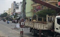 Tháo dỡ xong 62 trụ điện nằm giữa đường Tô Hiệu, quận Tân Phú