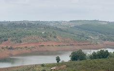 Doanh nghiệp mua gom đất, rồi được chính quyền xin 'hợp thức hóa' thành dự án?