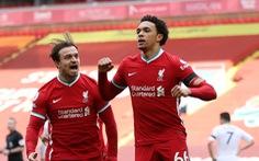 Thắng nghẹt thở Aston Villa, Liverpool vào top 4
