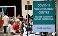 Người tiêm vắc xin COVID-19 sẽ không hắt xì làm văng hạt dịch chứa virus