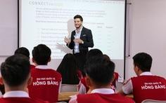 Tăng cường khóa học thực tế doanh nghiệp và chương trình đào tạo 100% tiếng Anh