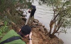 Phát hiện thêm 1 cơ sở chế biến lâm sản xả thải xuống sông Mã, cá tiếp tục chết