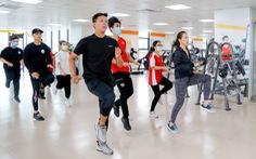 Trường đổi mới giáo dục thể chất, sinh viên hào hứng học bơi, yoga, khiêu vũ, boxing…