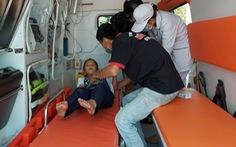 Hàng chục học sinh bị ngộ độc phải nhập viện: 'Đồ chơi giống miếng hạ sốt, ngâm nước thì nở như sứa'