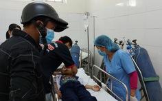 35 học sinh tiểu học ngộ độc hô hấp nghi do chơi slime mua ở cổng trường
