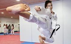 Nữ võ sĩ 17 tuổi vô địch châu Âu nhờ mê phim Lý Tiểu Long