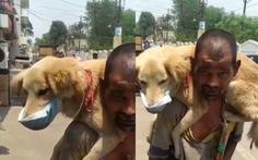 Mạng xã hội Ấn dậy sóng vì một người nghèo nhường khẩu trang duy nhất cho chó