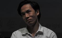 Việt Anh Vlog 1977 áo quần 'cổ lỗ' lên sân khấu đọc thơ Lưu Quang Vũ